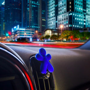 diffuseur-parfum-voiture-bleu-nikki.jpg